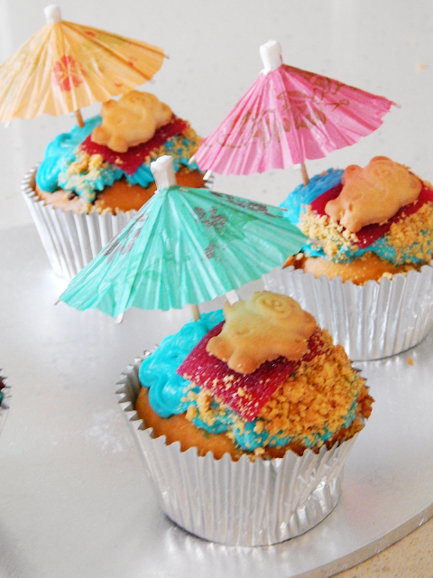 Summer Themed Cupcakes | empoweredinternetwomen