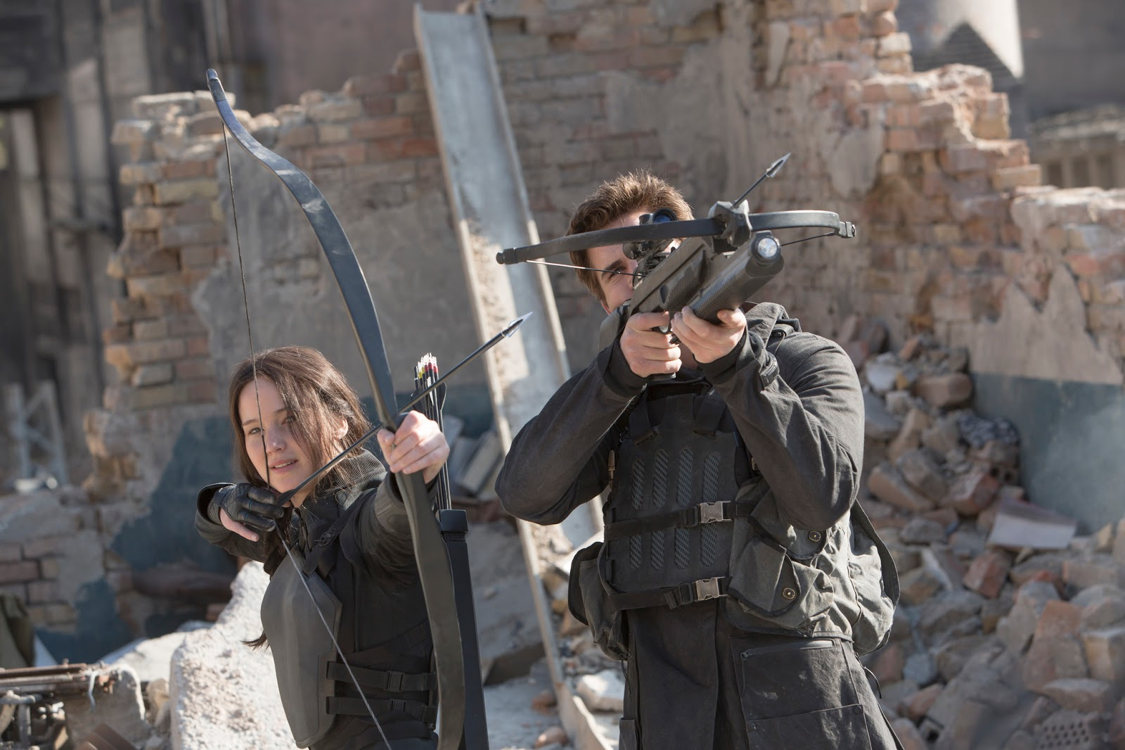 Check Out Hq New Stills From The Hunger Games Mockingjay