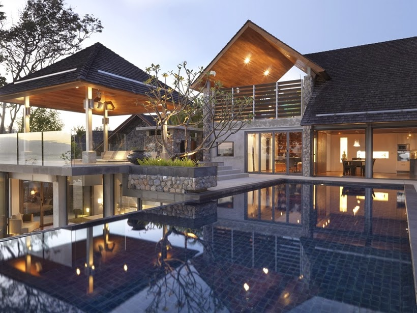 Swimming pool and facade in Villa with contemporary Asian design