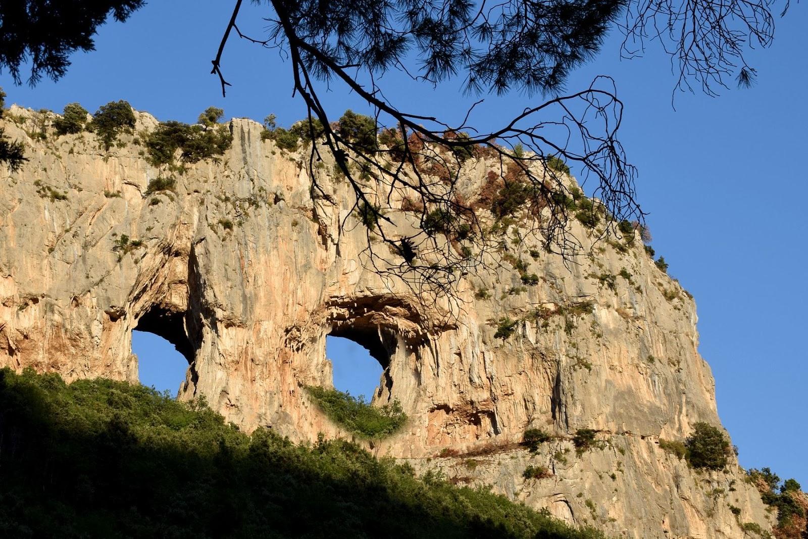 Risultati immagini per Fontana Vecchia di Monte Pertuso