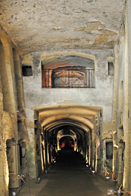 catacombe napoli, sotto napoli, viscere napoli, napoli sottoterra, napoli, campania, cosa vedere a napoli, tunnel napoli, cisterne napoli,
