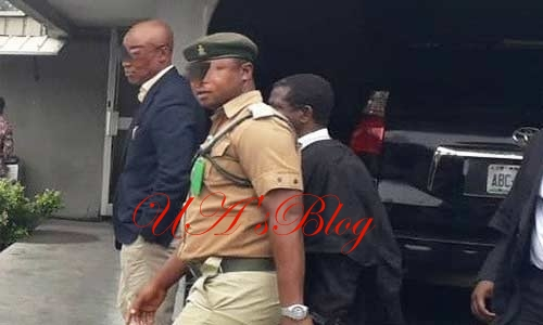Drama As Prison Warden Assaults Lawyer In Court