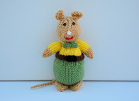 https://www.etsy.com/uk/listing/469701970/knitted-mice-mouse-animal-knitting?ref=shop_home_active_8