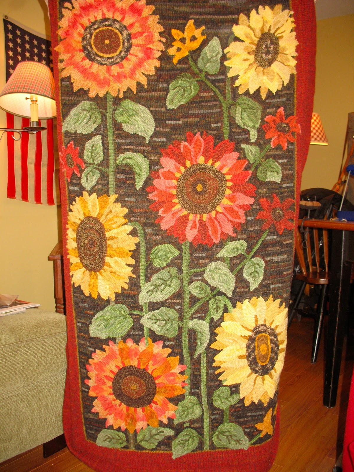 ANITA HOOKS RUGS: April 2013 - Sunflower Rugs