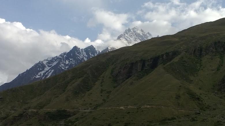 Himalayas in Badrinath (www.abhitraveldiary.com)