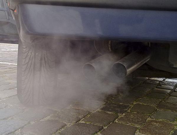 Cara Tepat Supaya Gas Buang Emisi Mobil Tetap Terjaga