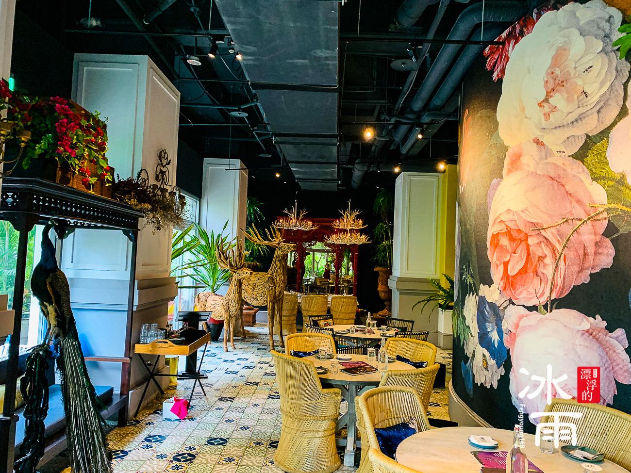 WOOTAIWAN大直ATT店|超浮誇的大型掛飾,空間襯托得更加有精神了!