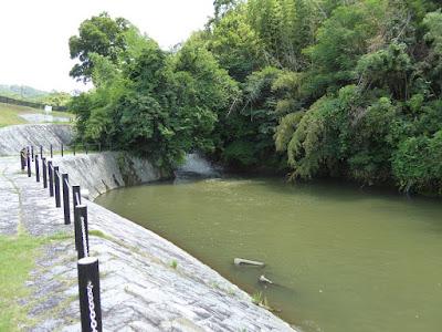 私市水辺プラザ 天野川砂防堰堤