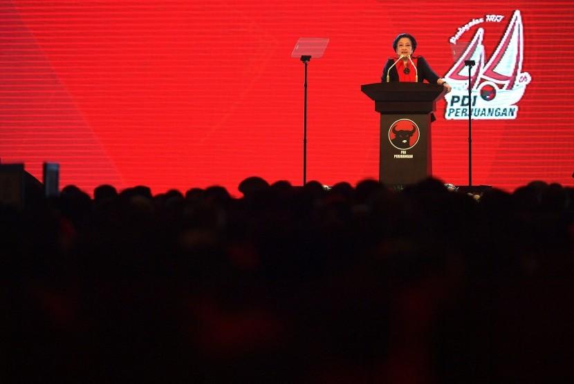 Megawati Sokearnoputri pada HUT PDIP ke-44