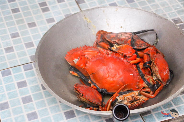 Freshly cooked crabs - Filipino dish