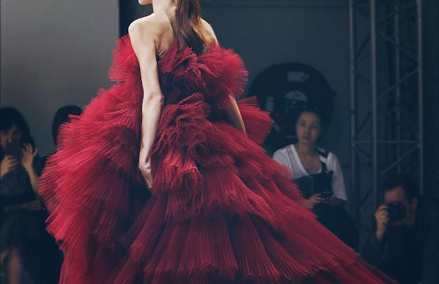 Allure Couture: Giambattista Valli Fall 2016 Paris Fashion Week
