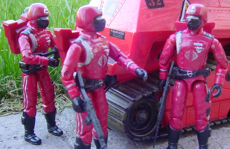 1985 Crimson Guard, 2004 Operation Crimson Sabotage, Crimson Hiss Tank, KB Toys Exclusive