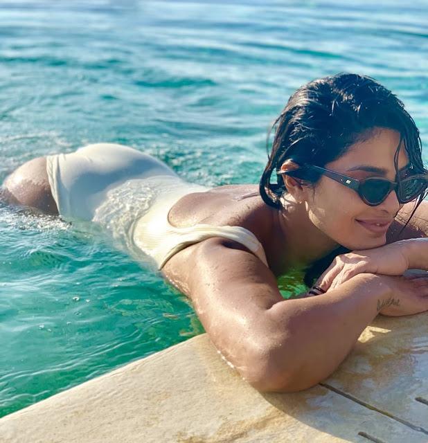 priyanka chorpa looks so hot