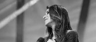 """Ana Nóbrega apresenta seu novo videoclipe: """"Oceanos"""""""