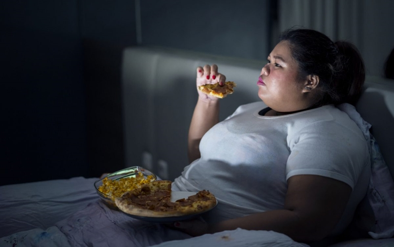 Karantina günlerinde kontrolsüz kilolara dikkat