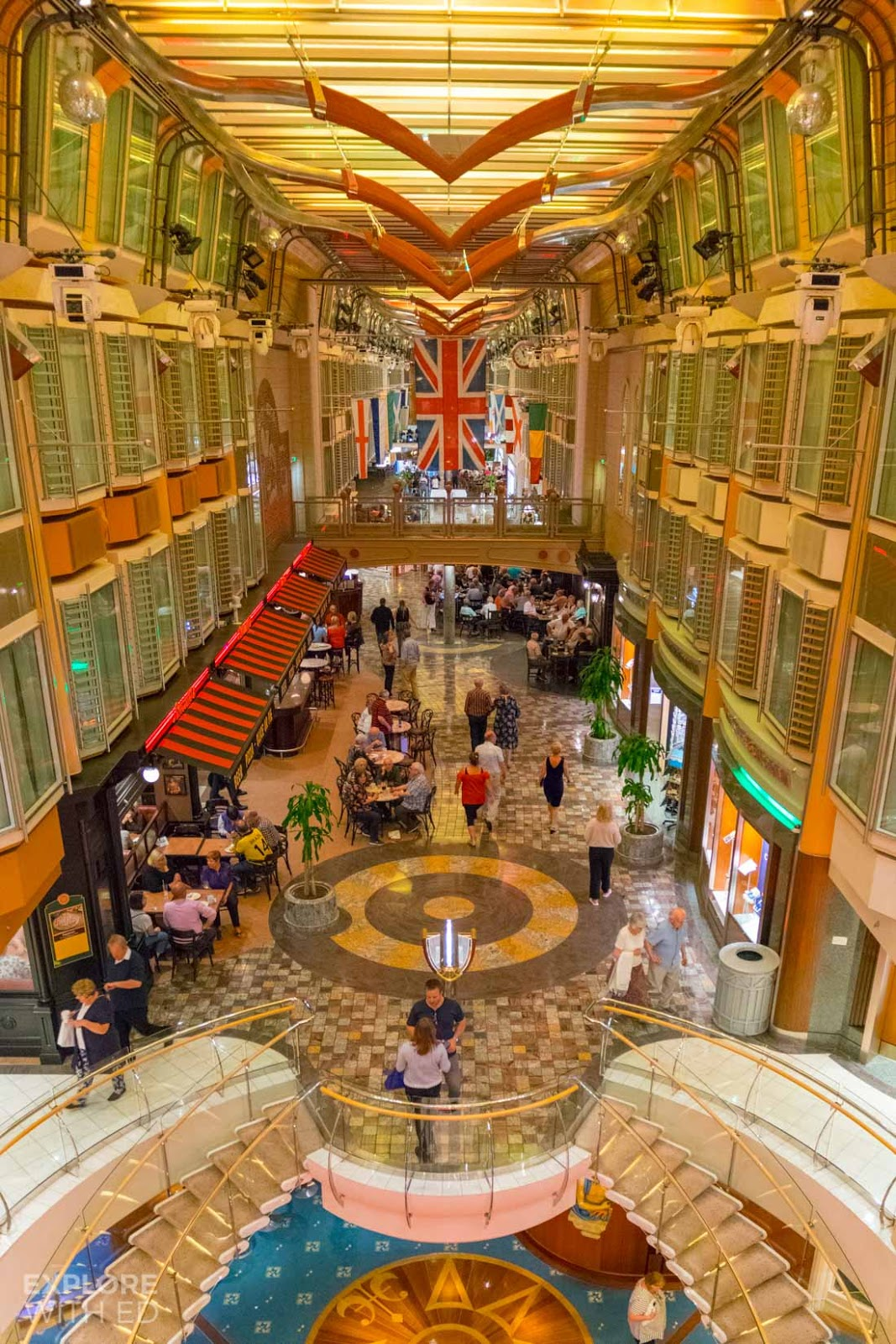 The Royal Promenade Independence of the Seas