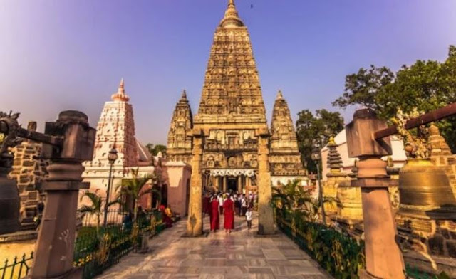 Top 10 Earning tourism state in India in Hindi