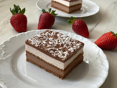 Ciasto kakaowe z mascarpone przekładane herbatnikami