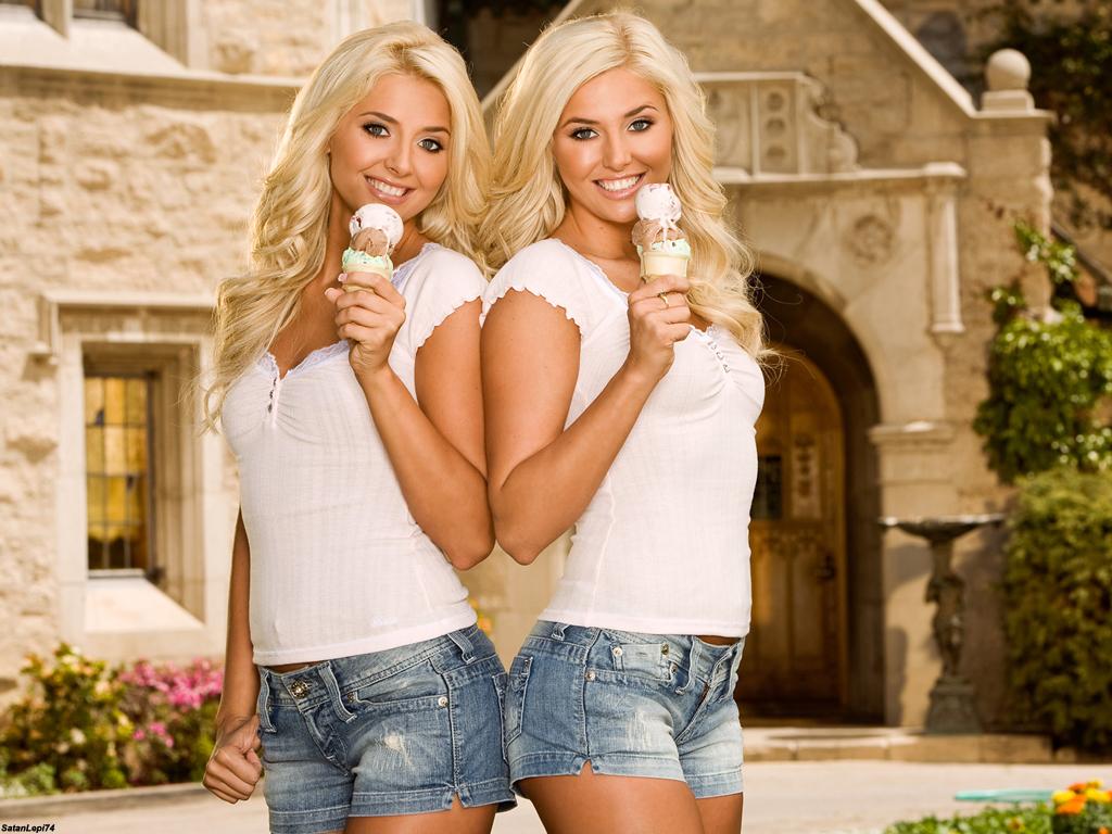 Karissa and Kristina Shannon Nude Photos 6