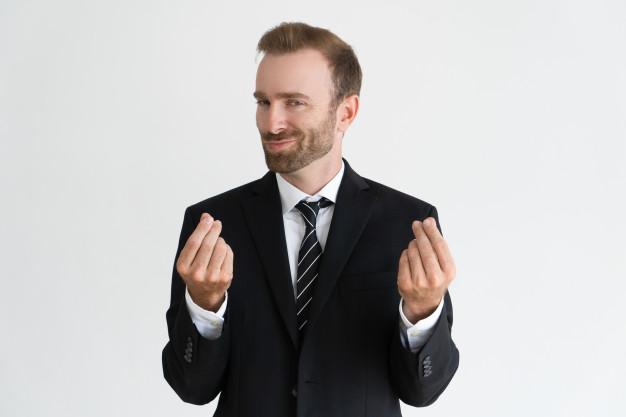 homem empresário fazendo gesto de economia de dinheiro