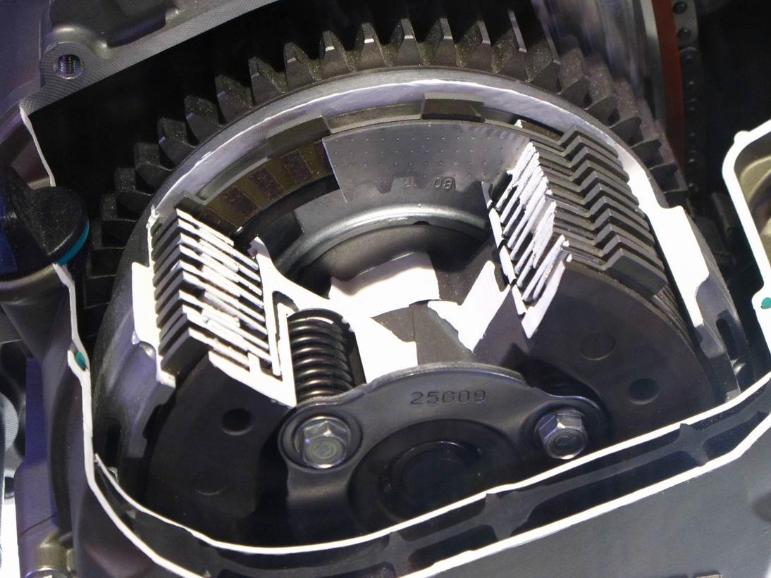 DUCATI 1199 Panigale之車架,離合器設計