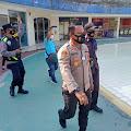 Polisi Bubarkan Warga Yang Berwisata di Wahana Air Bekasi