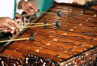 Pertunjukan Musik Tradisional