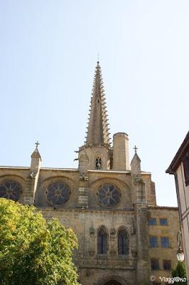 Parte dell'esterno della bella Cattedrale di Mirepoix