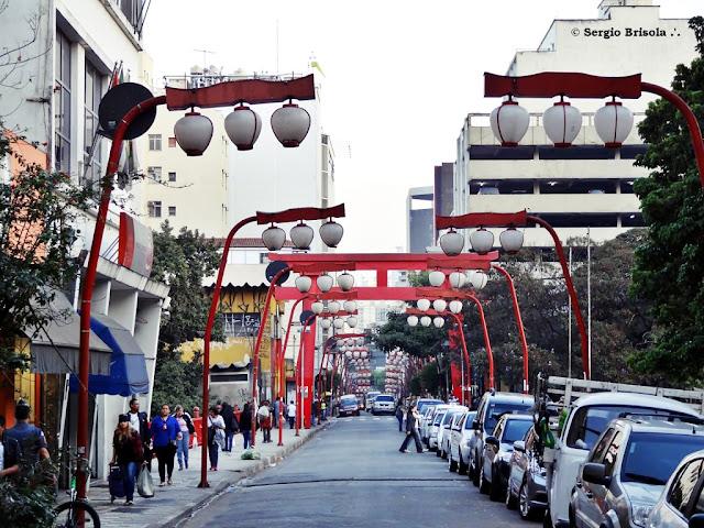 Vista de trecho da Rua Galvão Bueno - Liberdade - São Paulo