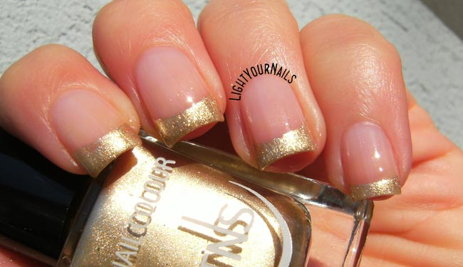 Collezione TNS Best Wishes - French manicure dorata feat. TNS Atomic 79