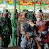Kejar Herd Immunity, Satgas Yonif 643/Wns Bantu Vaksinasi Massal di Perbatasan