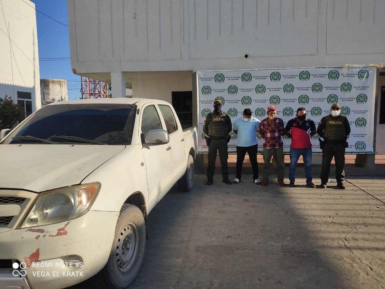hoyennoticia.com, Huyeron de la policía en una camioneta robada
