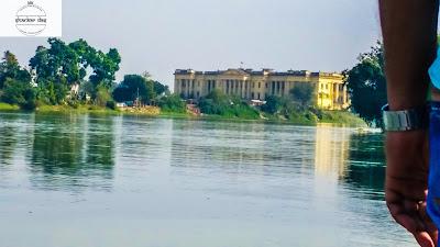 river view hazarduari palace