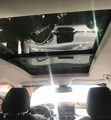 Interior Mobil SUV Boujun 530