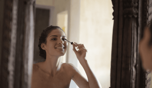 Use a spoon to apply mascara