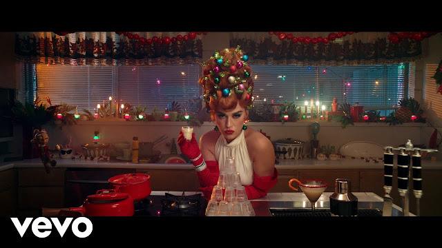 Katy Perry - Cozy Little lyrics in hindi 2020