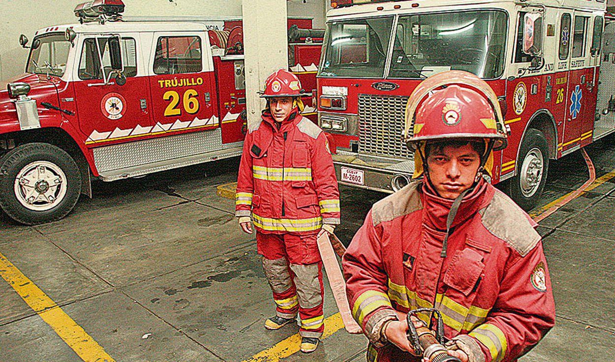 Bomberos continúan en su lucha contra las emergencias