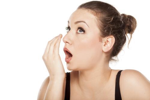 5 Tips Agar Bau Mulut Tidak Menyengat Saat Puasa