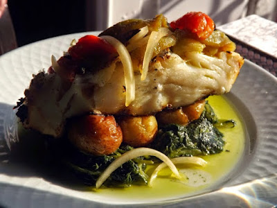 Prato de bacalhau com batatas ao murro
