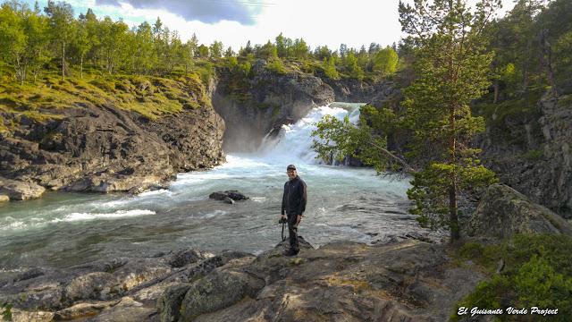 Stuttgongfossen - Noruega por El Guisante Verde Project