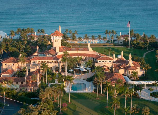 Inside Donald Trump 39 S Golden 58 Bedroom Mar A Lago Palm Beach