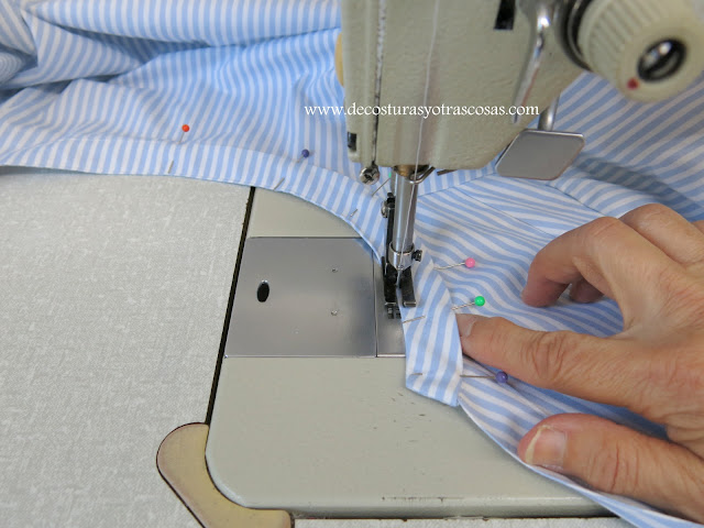 blusa de rayas con cuello mao