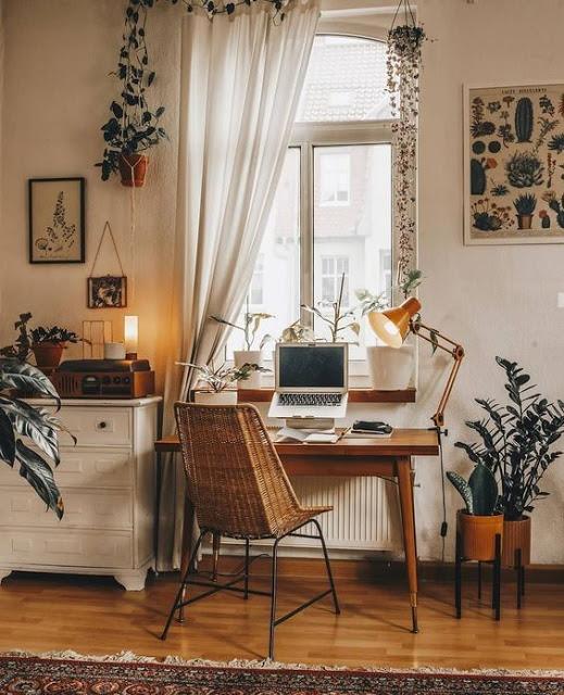 escritorio de decoración boho