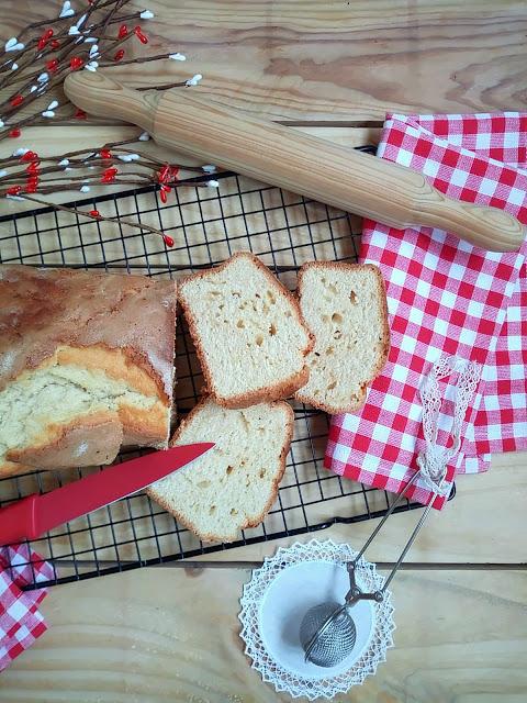 Bizcocho de nata. Receta tradicional para desayunos, meriendas, postres, sencilla, rica, tierno esponjoso, suave, fácil, horno, Cuca