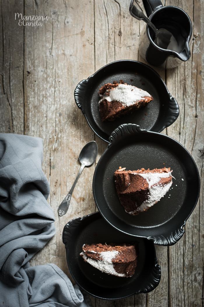 Bundt de cacao y coco