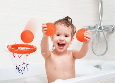 Bathtub Basketball-Stocking Stuffer Ideas for Toddlers