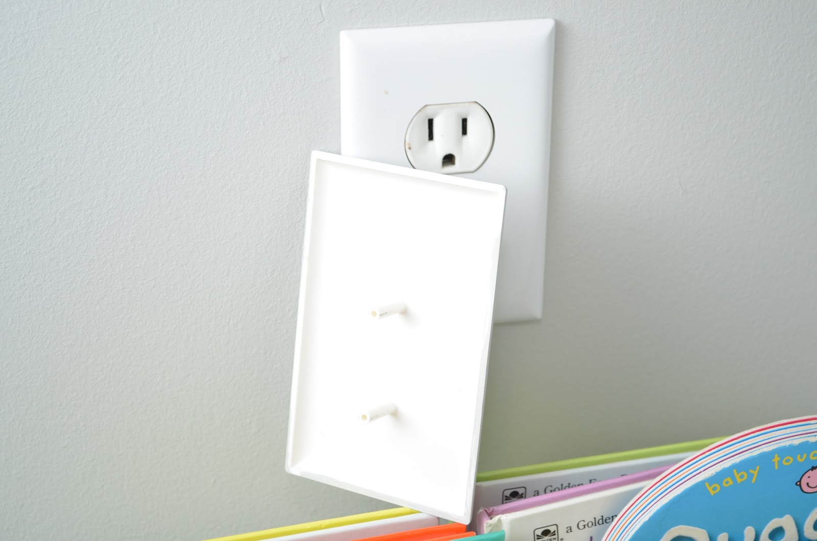 Apete's Reviews: Coverplug Paintable Electrical Outlet Cover