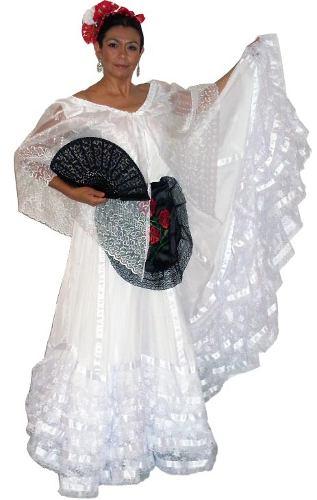curvo blanco trajes cerca de Palma