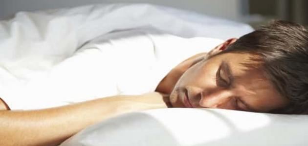 سبب نهى الرسول -صلى الله عليه وسلم- عن النوم على البطن - الشيخ خالد الراشد