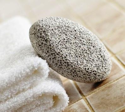 Utiliza la piedra pómez con mucho cuidado